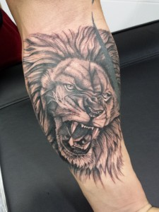 León-Jorge García-Tatuajes L'Eliana