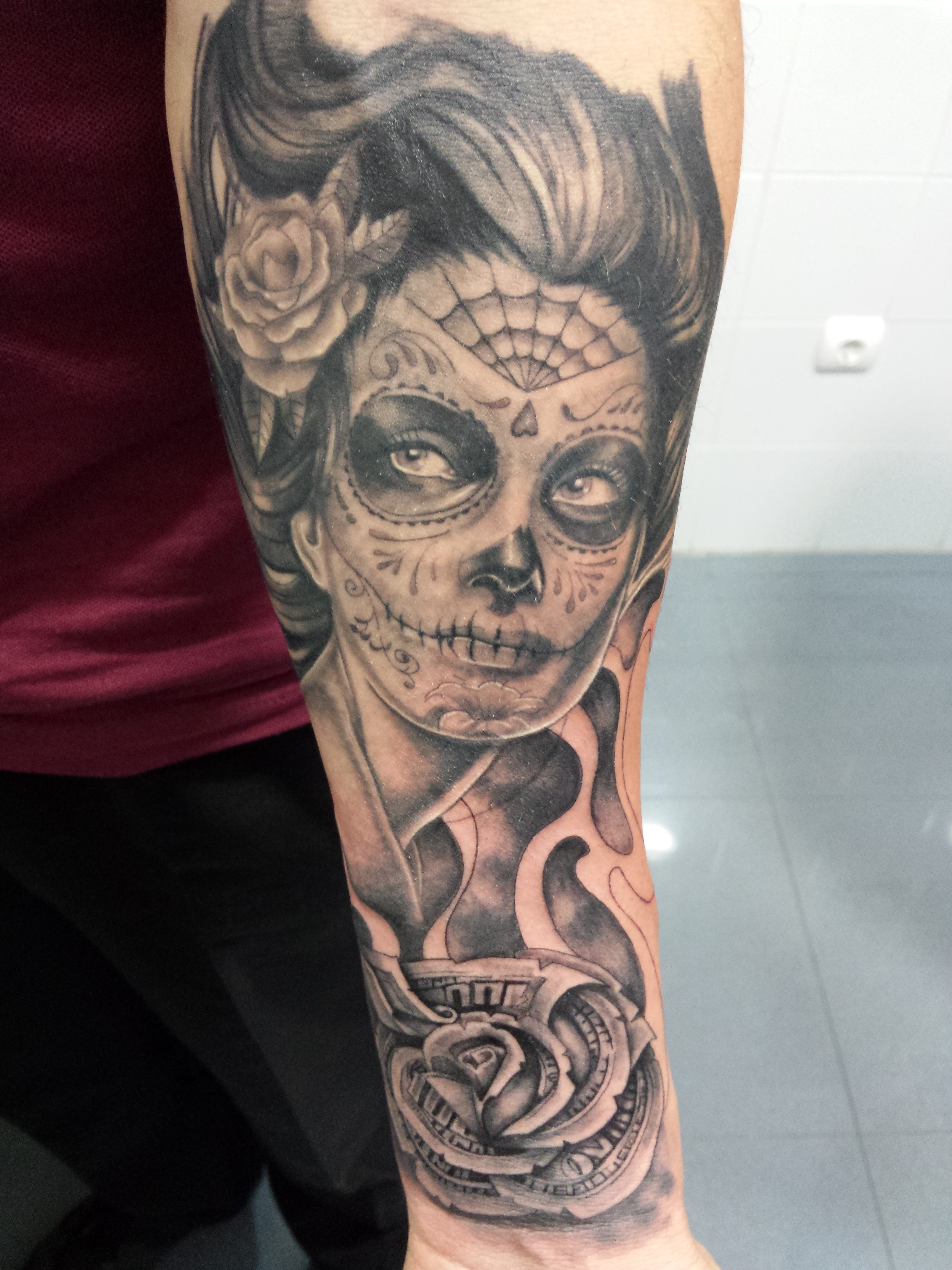 Dama muerte-chicano-rosa-Jorge García-Tatuajes L'Eliana
