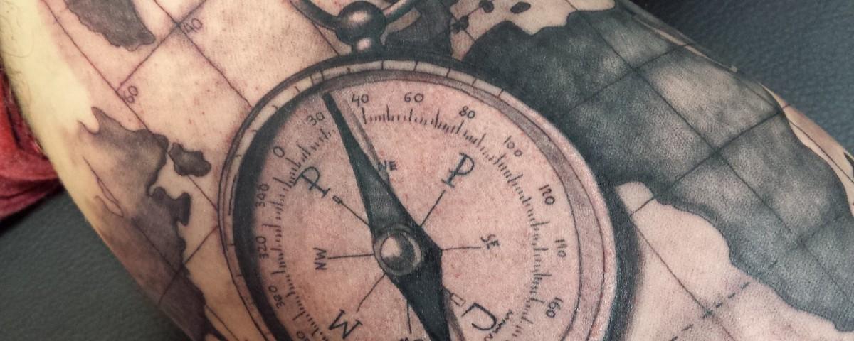 Brújula-Mapa-Jorge García-Tatuajes L'Eliana