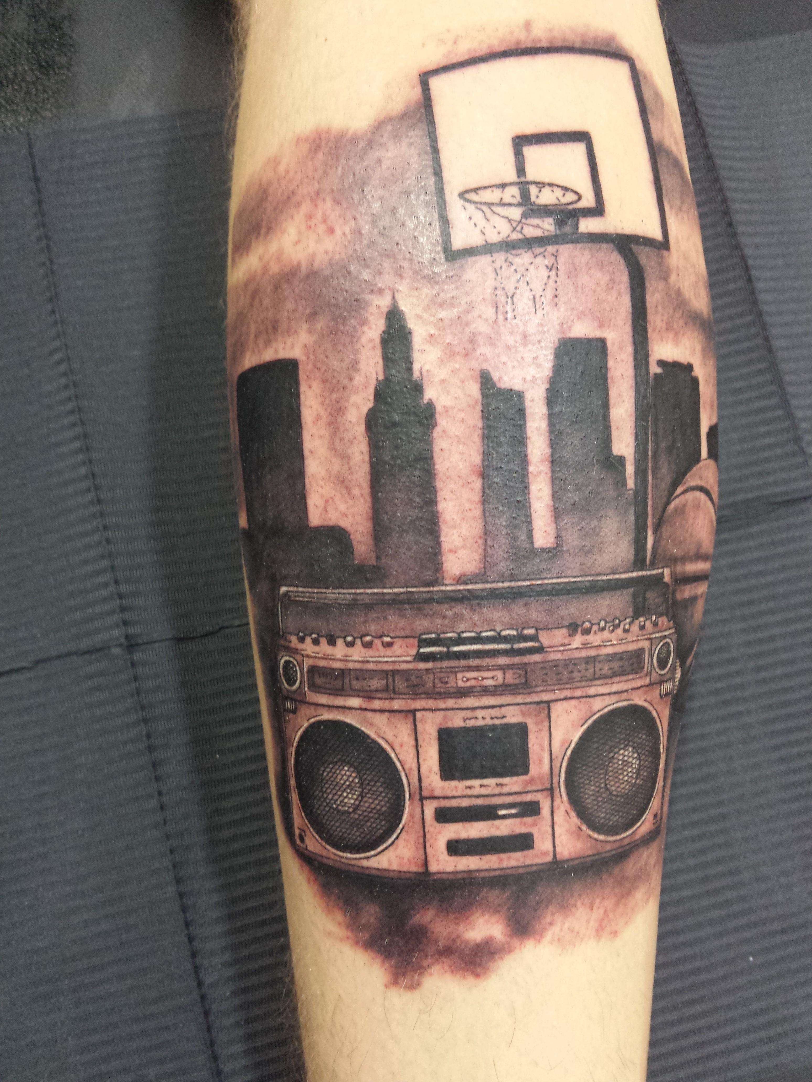 tatuaje basket-rap-hip hop-radiocasette-jorge garcía-Tatuajes L'Eliana