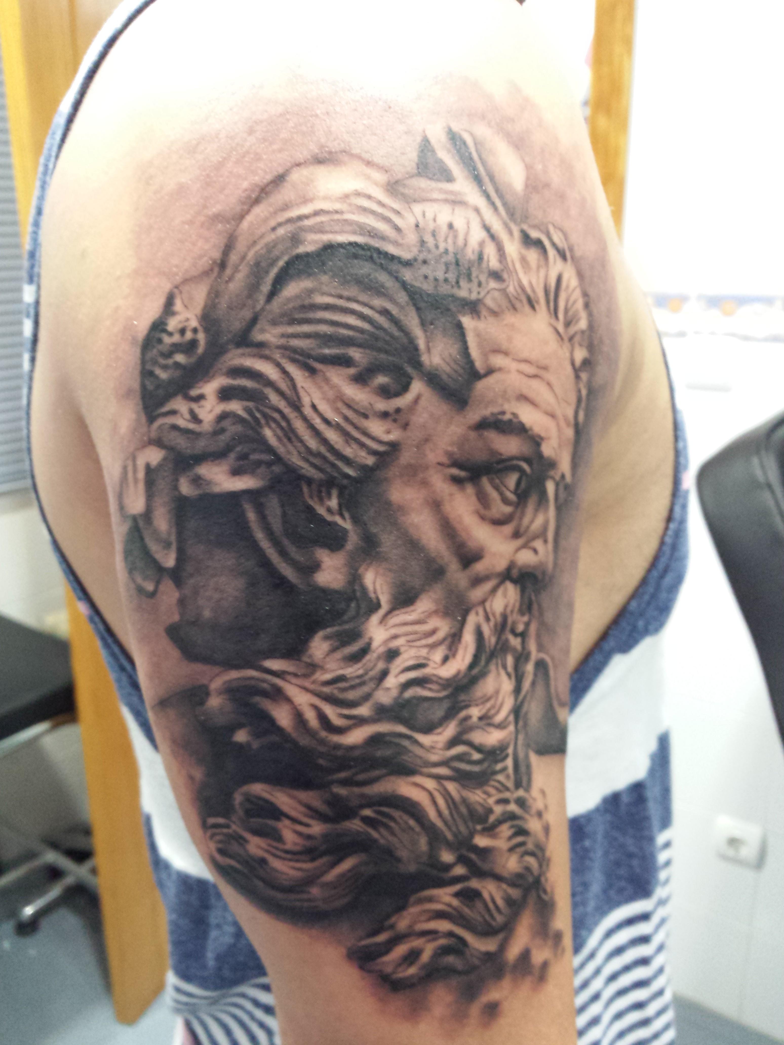 tatuaje neptuno-poseidon-tatuajes L'Eliana-jorge garcía