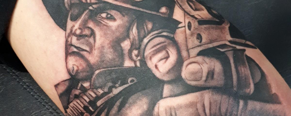 attoo pistola-vaquero-Tatuajes L'Eliana-Jorge Terrorize
