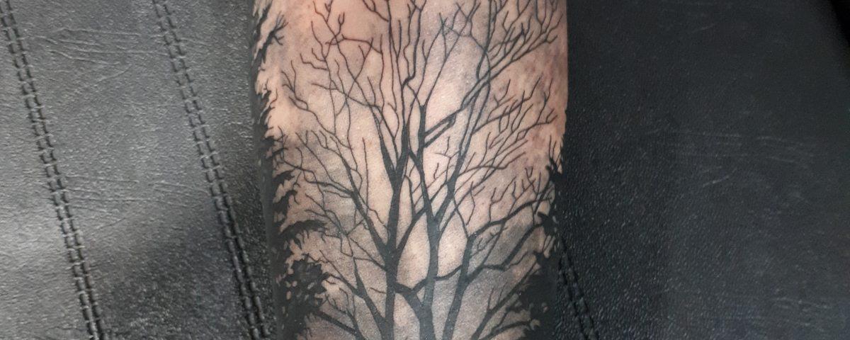 Tattoo bosque-Tatuajes L'Eliana