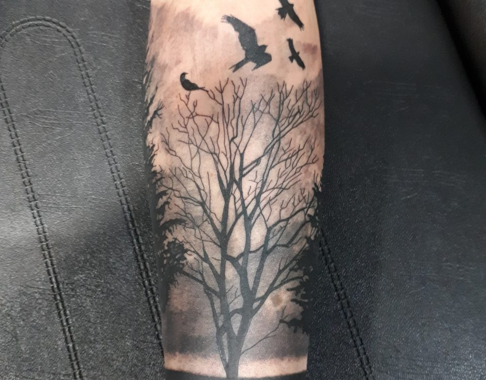 Tattoo bosque-Tatuajes L'Eliana